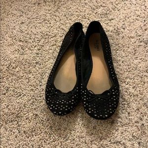 Old navy black and white flats